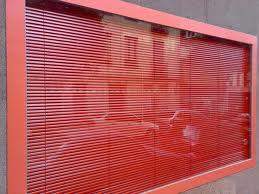 Persiana Veneciana roja en Zaragoza